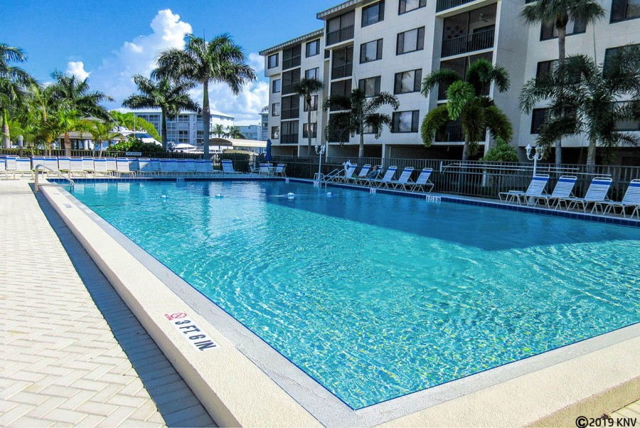 Santa Maria Harbour Resort Amenities include a huge heated pool and sundeck, spa, patio dining area