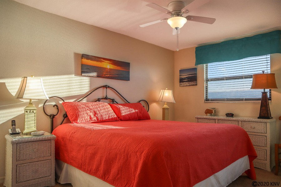 King Sized Bed welcomes you in the Master Bedroom En Suite