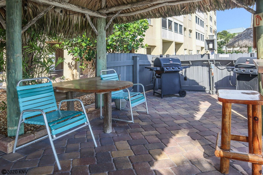 Amenities include a BBQ and Picnic Area Beachside
