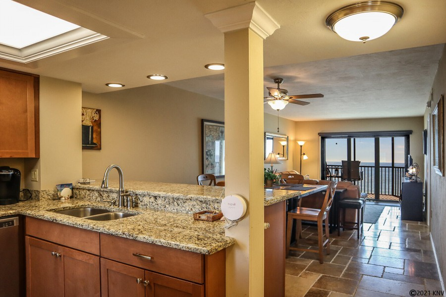 Completely Remodeled, this beautiful 2B/2B Riviera Club Vacation Condo is perfect for your next Flor