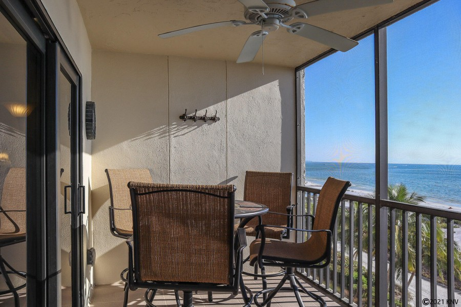 Screened In Lanai offers a breathtaking beachfront view