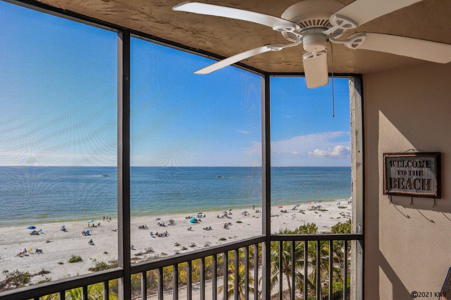 Welcome to the Riviera Club 502 on Fort Myers Beach!