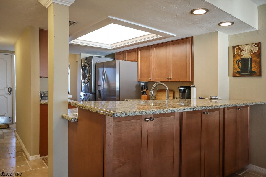 Beautifully remodeled, fully equipped kitchen