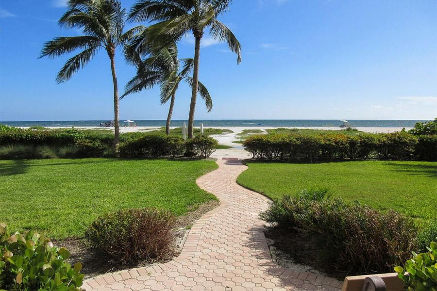 Riviera Club Beachfront
