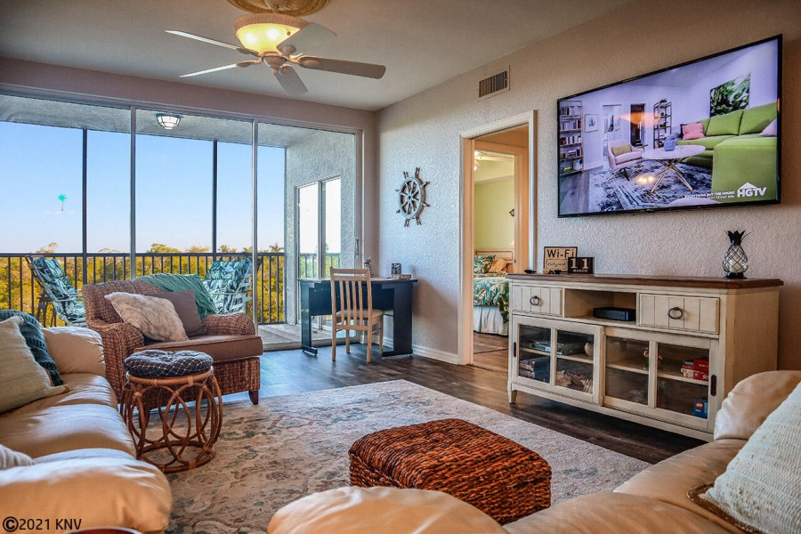 Beautiful Accommodations for your next Florida Vacation - Captains Bay 302
