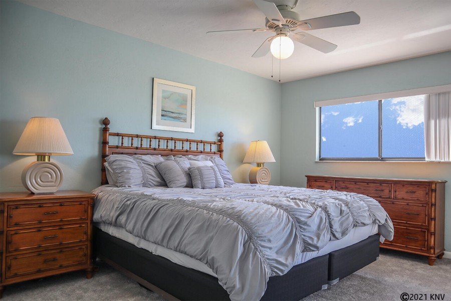 King Sized Bed in the Master Bedroom En Suite