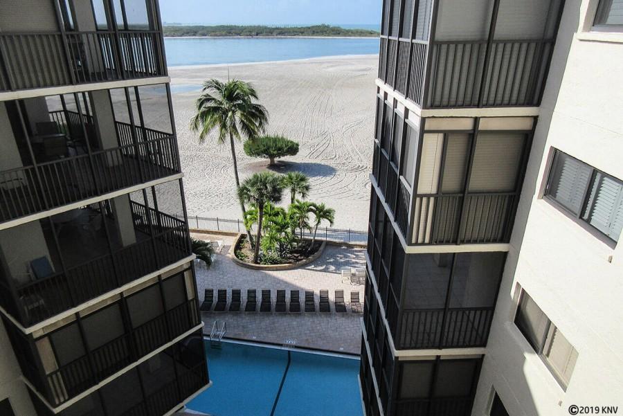 Carlos Pointe Condominiums