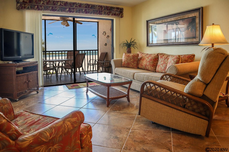 Comfortable and beautiful accommodations at Carlos Pointe 222