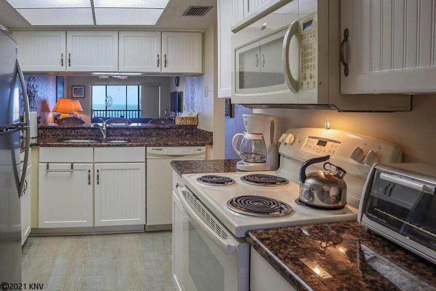Kitchen at Riviera Club 1102