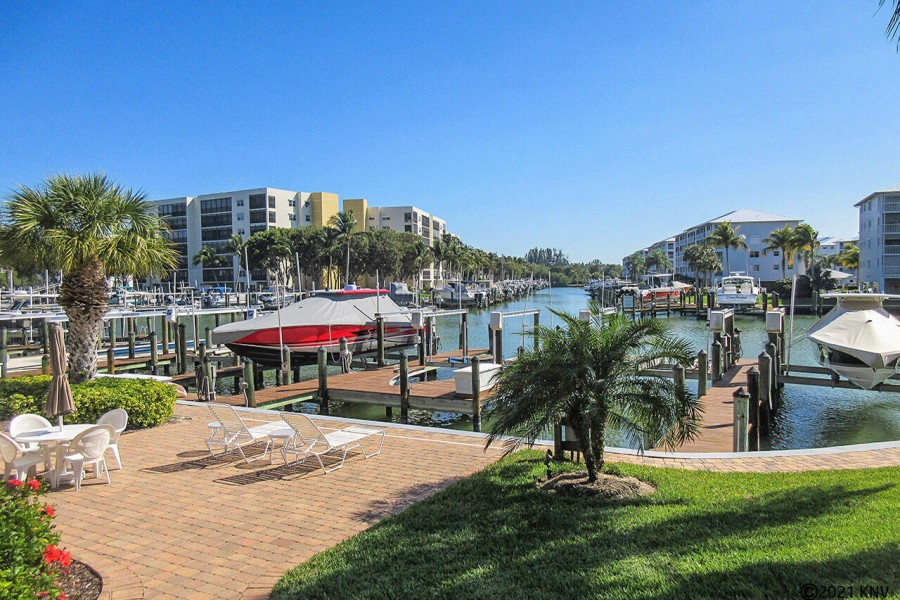Estero Yacht and Racquet Club Condominiums
