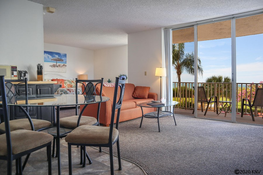 Estero Beach and Tennis Club 105B is a 1 Bedroom 1 Bath Efficiency Vacation Condo with a full kitche