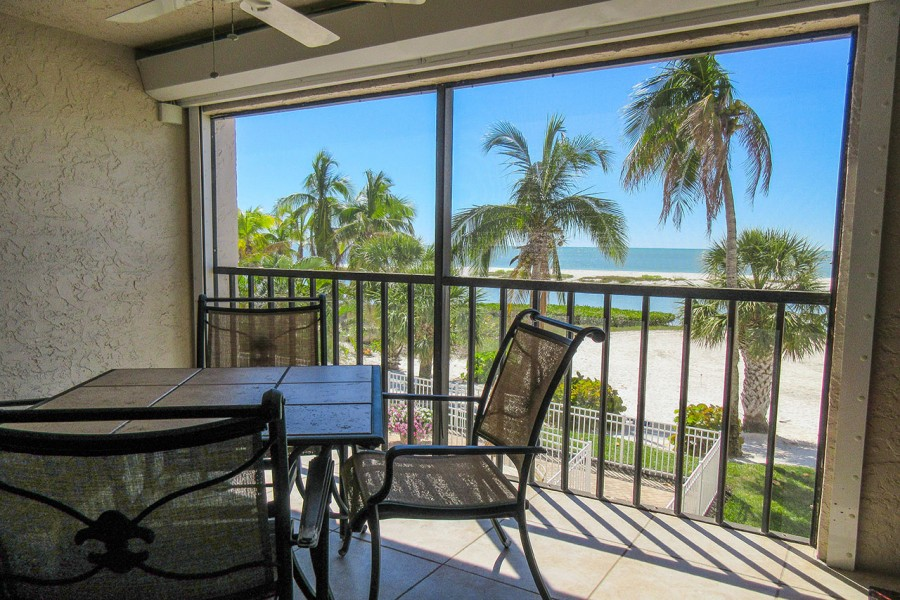 Eden House 205 enjoys a direct Gulf view from the large screened in lanai