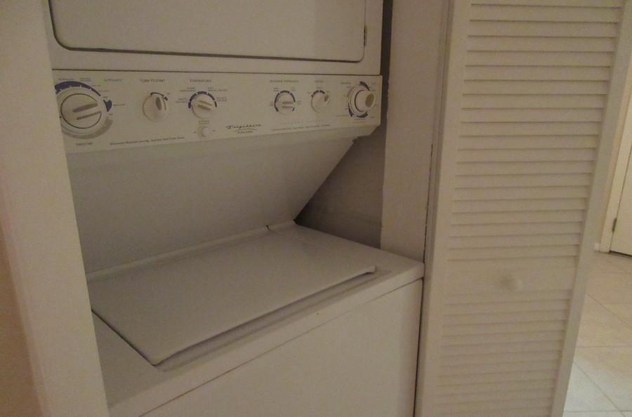 In Unit Washer Dryer in Eden House 302
