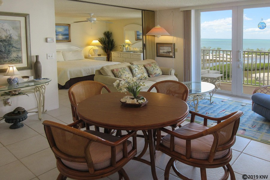 Estero Beach And Tennis Club 407A Beachfront Vacation Condo