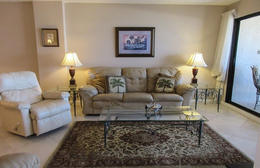 Comfortable seating at Eden House 605