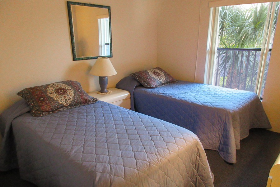 Estero Cove 411 Guest Bedroom