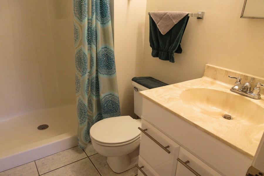 Estero Cove 411 Guest Bath