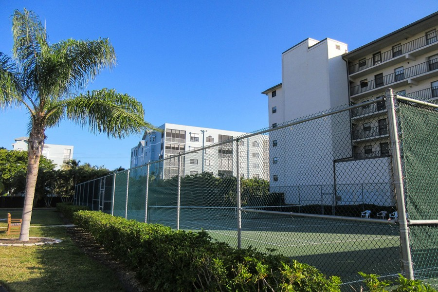 Estero Cove Tennis Courts