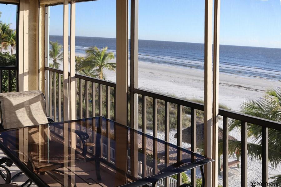 Beachfront Vacation Condo Estero Sands 303