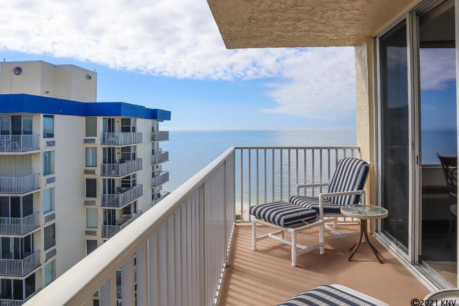 12th Floor Balcony in yours to enjoy!