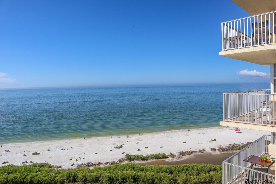 Beachfront and Gulf View from your balcony
