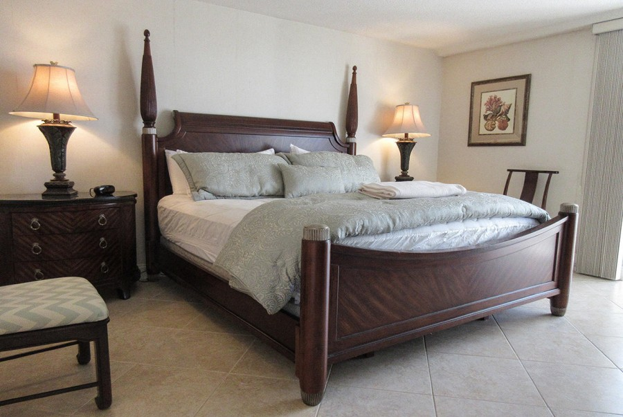 Gorgeous Master Bedroom at Creciente 313N