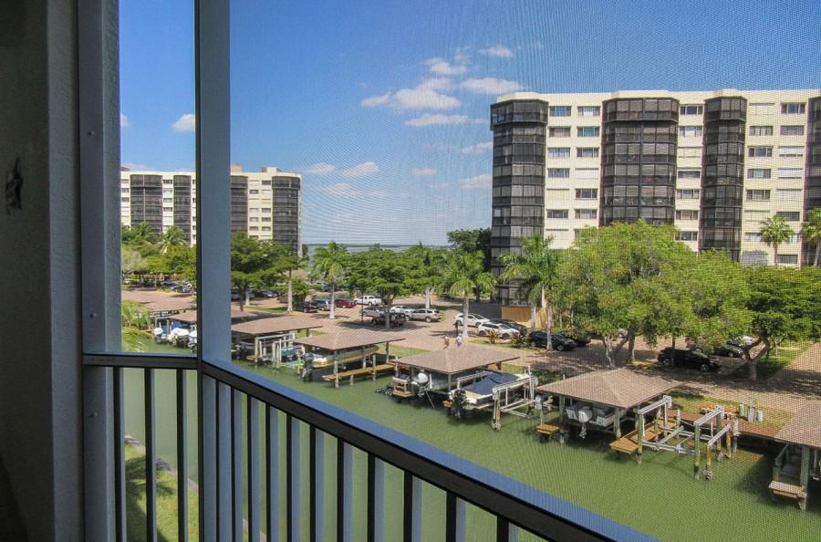 Lovely Water Views at Casa Marina 732