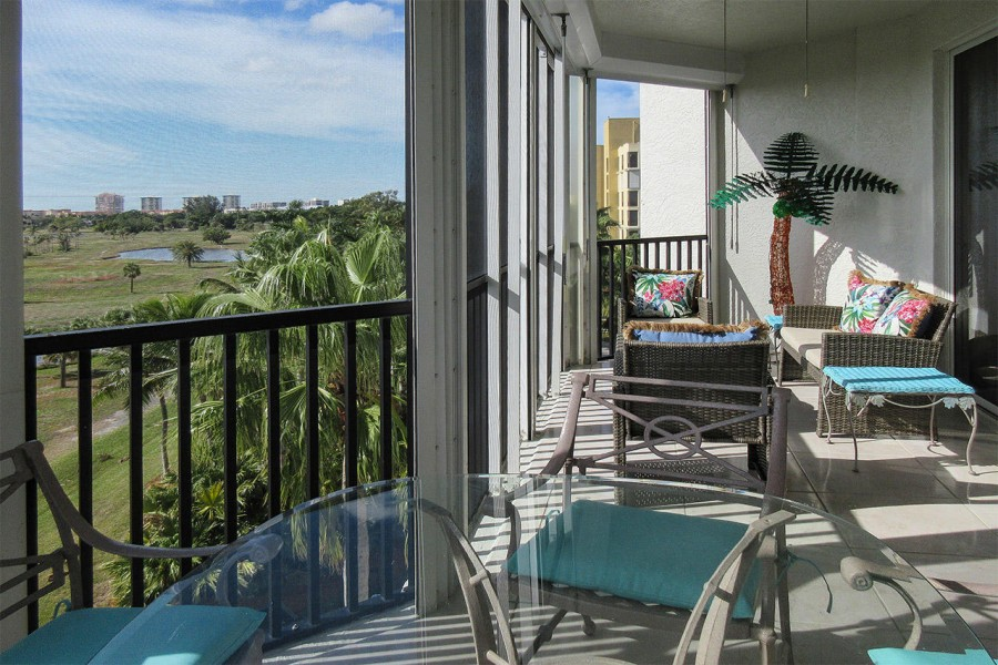 Dining or relaxing in your screened in lanai