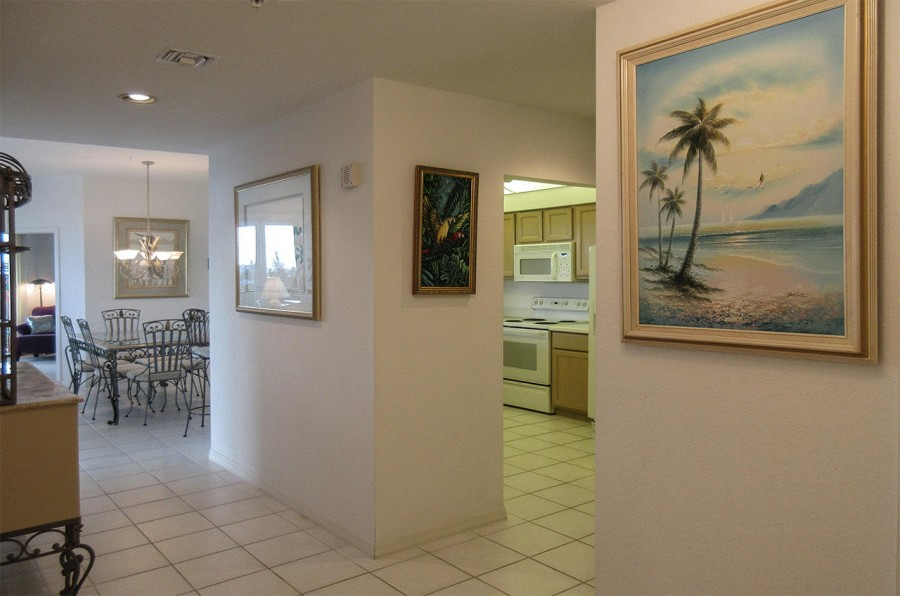 Professionally Decorated 3 Bedroom 2 Bath Luxury Condo at Waterside