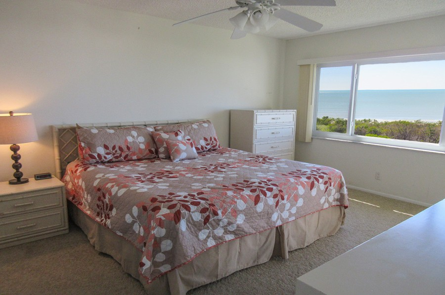 Sand Caper 705 Master Bedroom En Suite with King Sized Bed