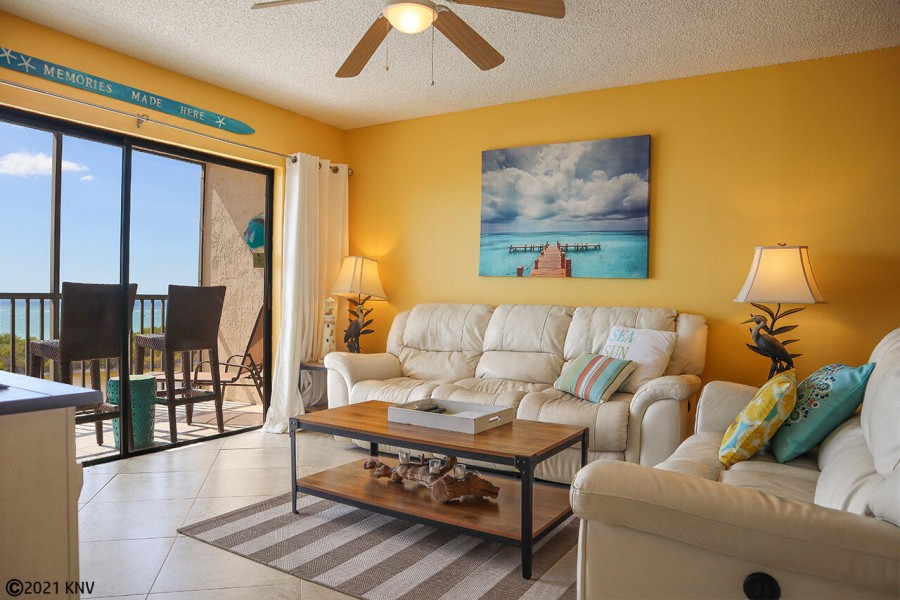 Beautiful Beachfront 2 Bedroom 2 Bath Vacation Condo