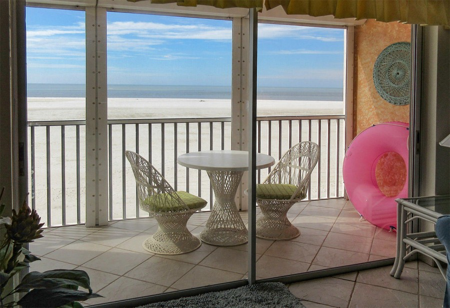 Castle Beach 304