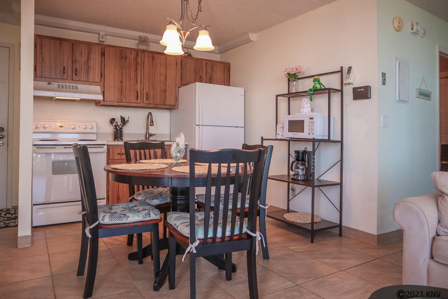 Kitchen and Dining Table for 4
