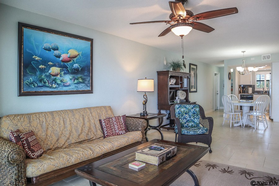 Villa Del Mar 301 has been furnished with an island flair